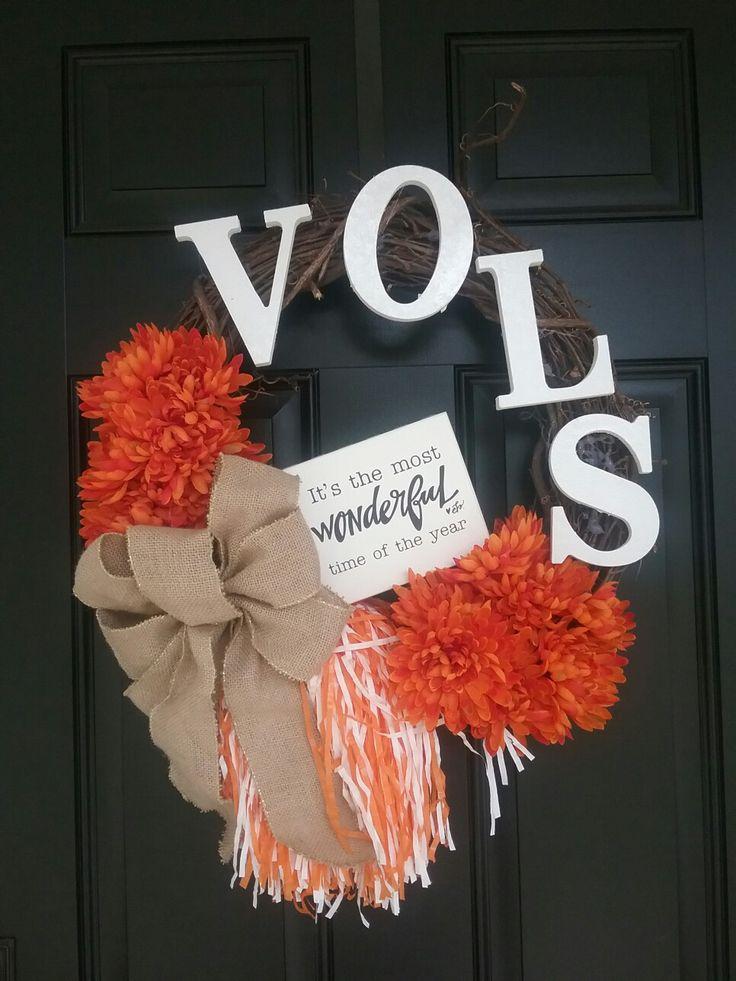 Tennessee Volunteer football wreath