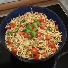 Spaghetti salad with mozzarella and tomatoes   – Rezepte