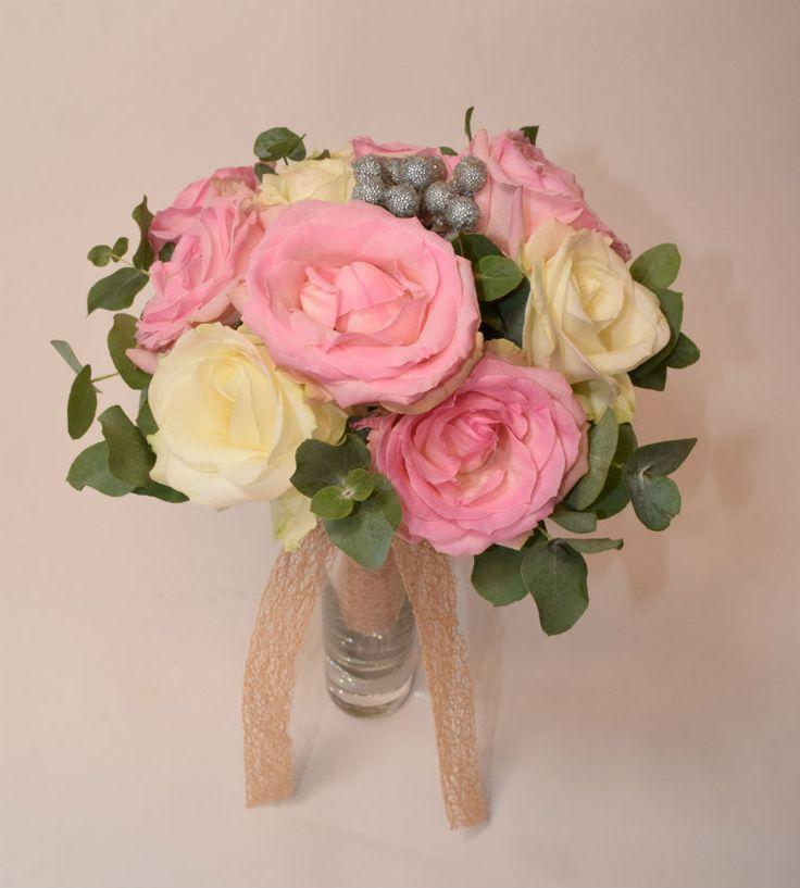 bouquet à lancer en fuchsia et blanc