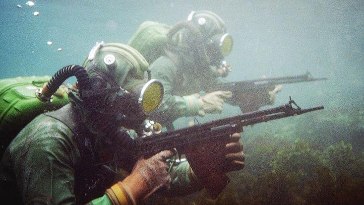 Se formó poco después del inicio de la Segunda Guerra Mundial. Fue importante en la derrota de Alemania y Japón. Además, estos soldados bajo el agua realizaron numerosos ataques secretos y sabotajes durante la Guerra Fría. En los años 90 se disolvió la unidad.
