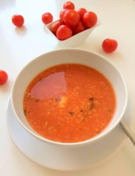 Wegańska zupa pomidorowa z kaszą jaglaną