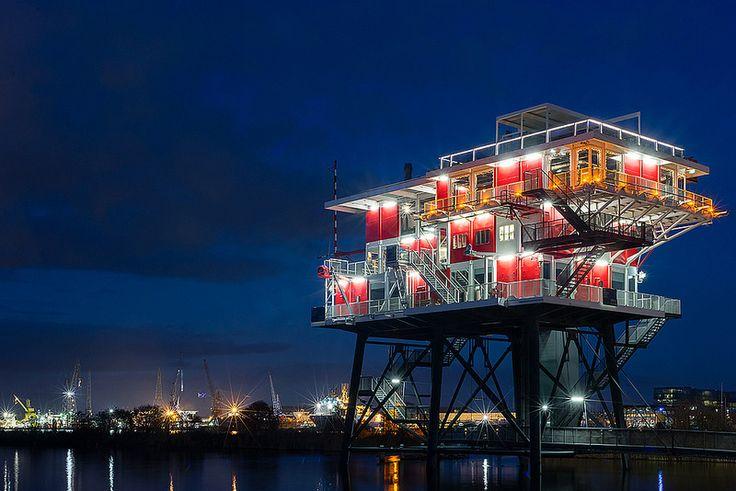 REM eiland, restaurant, Amsterdam (2011, voormalig station TV Noordzee)