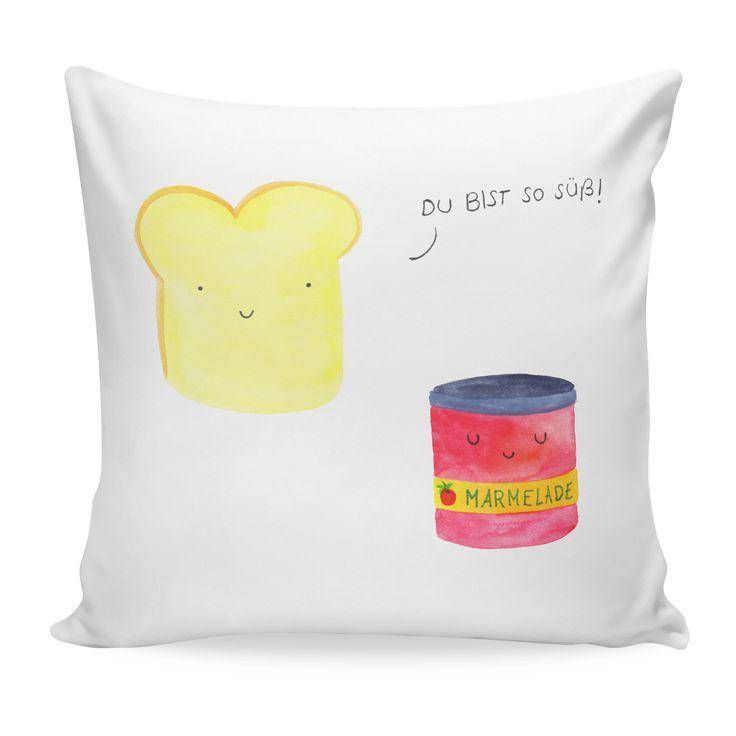 40x40 Kissen Toast & Marmelade aus Soft-Feel Kissenbezug  Flauschig - Das Original von Mr. & Mrs. Panda.  Ein wunderschönes kuscheliges Kissen von Mr. & Mrs. Panda mit wunderbar weicher entnehmbarer Füllung  - liebevoll bedruckt, verpackt und verschickt aus unserer Manufaktur im Herzen Norddeutschlands. Das Kissen hat einen Reißverschluss zum Entnehmen der Füllung und die Größe von 40x40 cm.    Über unser Motiv Toast & Marmelade  Toast & Marmelade sind ein ganz besonderes Motiv aus der Mr…
