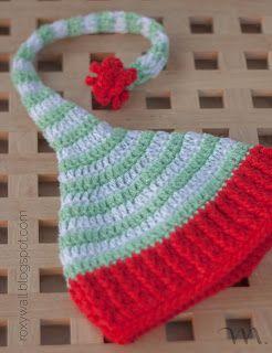Gorro de elfo para bebé con pompom de seguridad. Patrón gratuito en español.