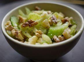 Вкусный салат с яблоком и сельдереем - Диетические рецепты 1001 ЕДА