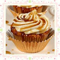 Jack Daniels Honey Whiskey Cupcakes with a Bourbon Drizzle for a VERY Happy Birthday s