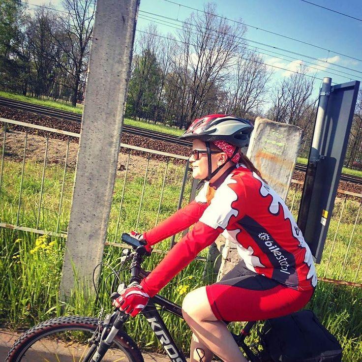 @johnnybongo's #cyclinggirl #neirawypełzaznory  #googleglass #bicycle #sunnyday #bicyclelove #rower