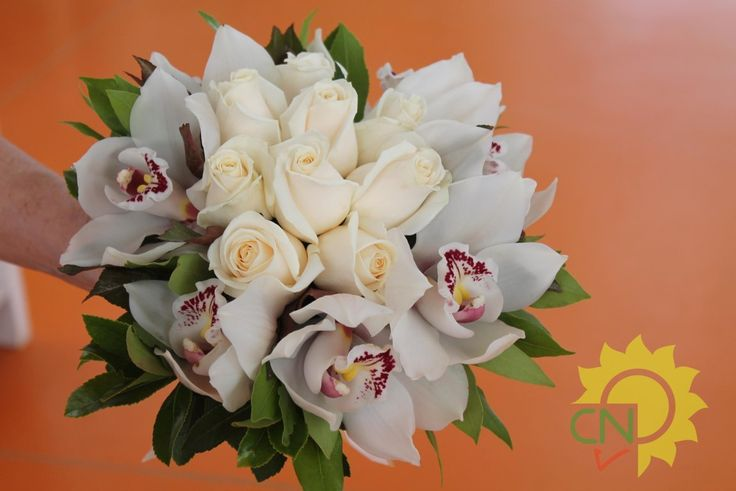 Bouquet da sposa rose e orchidee #wedding #white #bouquet #flower #orchids
