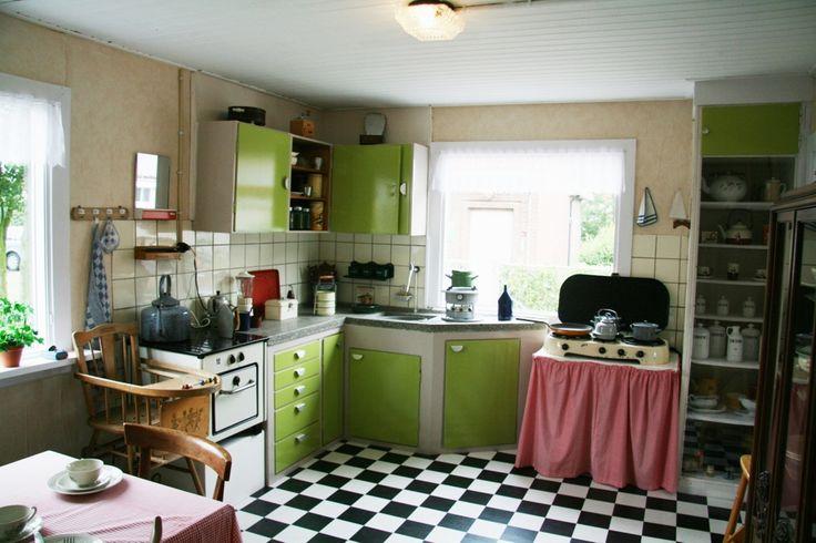 Museum de Meestoof  Sint Annaland, keuken in Noorse houten noodwoning