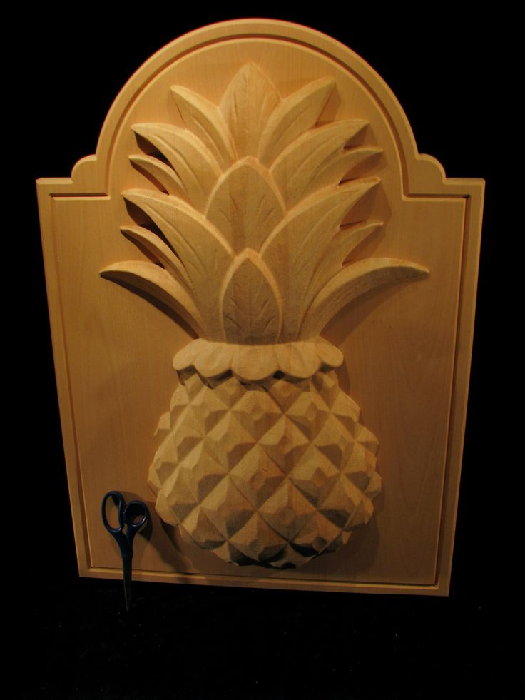19 best carved pineapple images on pinterest carved wood for Pineapple carving designs