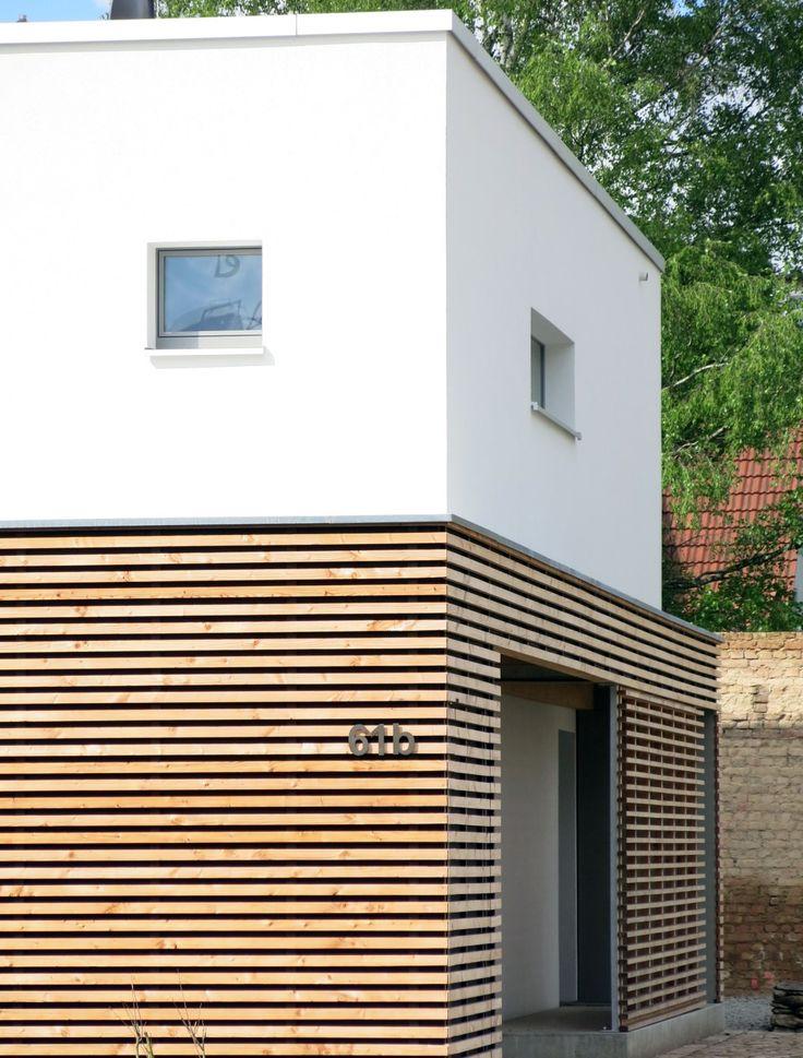 Holzfassaden lassen sich offen und geschlossen bestens mit putzfassaden kombinieren. Sie bringen Natürlichkeit und wärme in die moderne Formensprache.