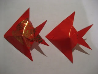 1000 images about ang pow lanterns on pinterest fish for Ang pow decoration craft work
