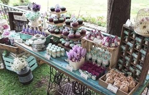 Resultado de imagen para mesas de dulces para bodas vintage