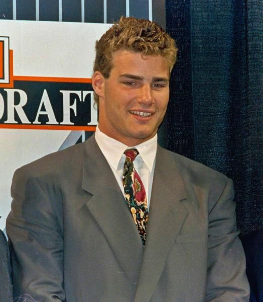 Image Representant Le Sport >> 17 Best images about Eric Lindros on Pinterest | The flyer, Eric lindros and Hockey hall of fame