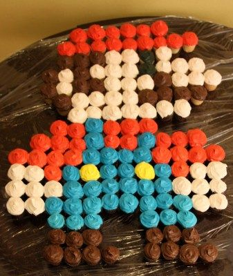 Super Mario Cupcakes   ireallylikefood if I can pull this off with natural food colors.
