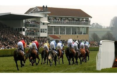 Racecourse Directory : Wincanton Racecourse: Website, Twitter Link & Facebook Page