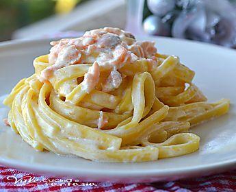 Fettuccine con salmone e mascarpone primo piatto