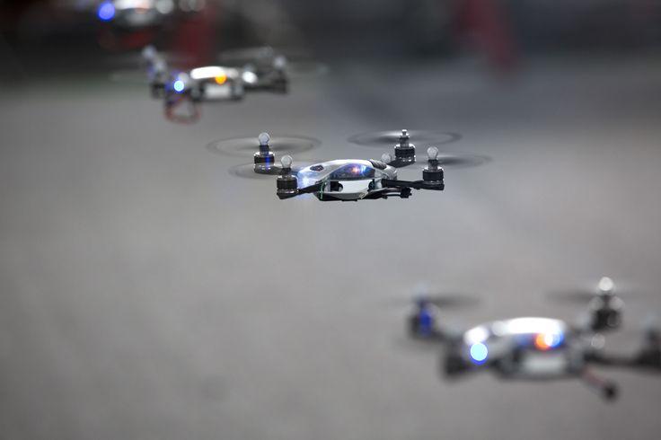 'SWARM'은 렉서스와 로그 필름스의 샘 브라운 감독, KMel 로보틱스의 창의적이고 혁신적인 공동 작업을 통해 탄생한 결과물이다. | Lexus Facebook ▶ www.facebook.com/lexusKR  #Brand #Campaign #Lexus #SWARM #Car