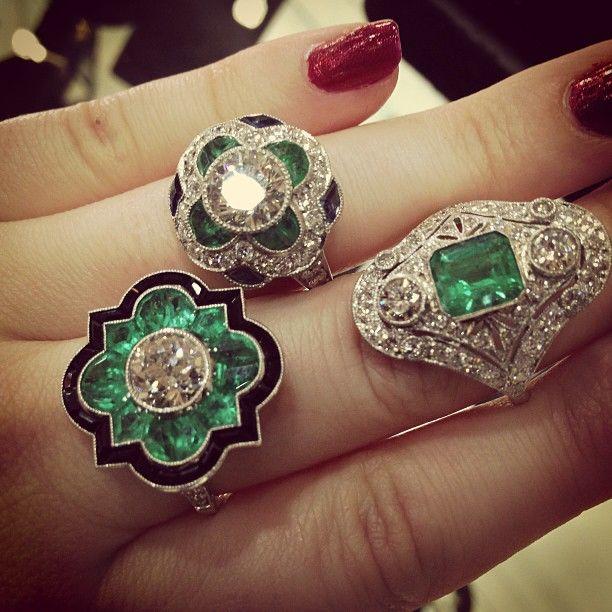 Un puñado de ArtDeco # # # anillos de esmeralda y diamantes en las antigüedades de verano Baltimore Show!  Joyería #