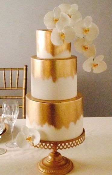gold glitter wedding cakes best 25 gold cake ideas on sequin cake gold 14782