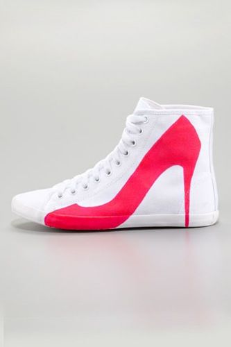 Haha even sneakers have to bow to the power of the Heel! lol Love it