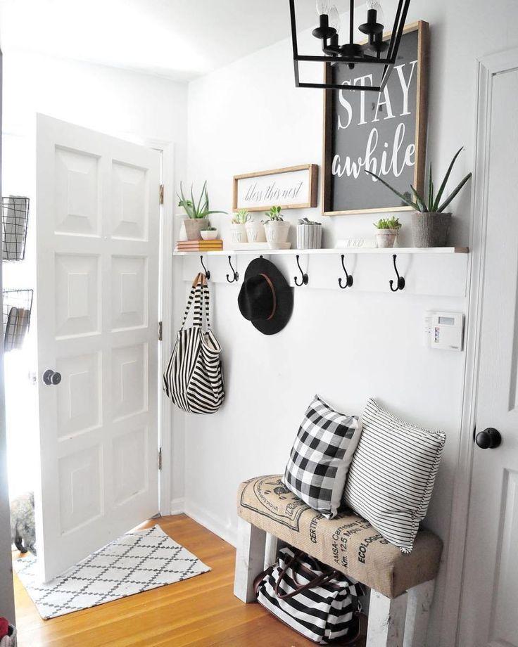 43 Best Small Entryway Decor Design Ideas To Upgrade Space 2019 In 2020 Entryway Decor Small Entryway Wall Decor Small Decor