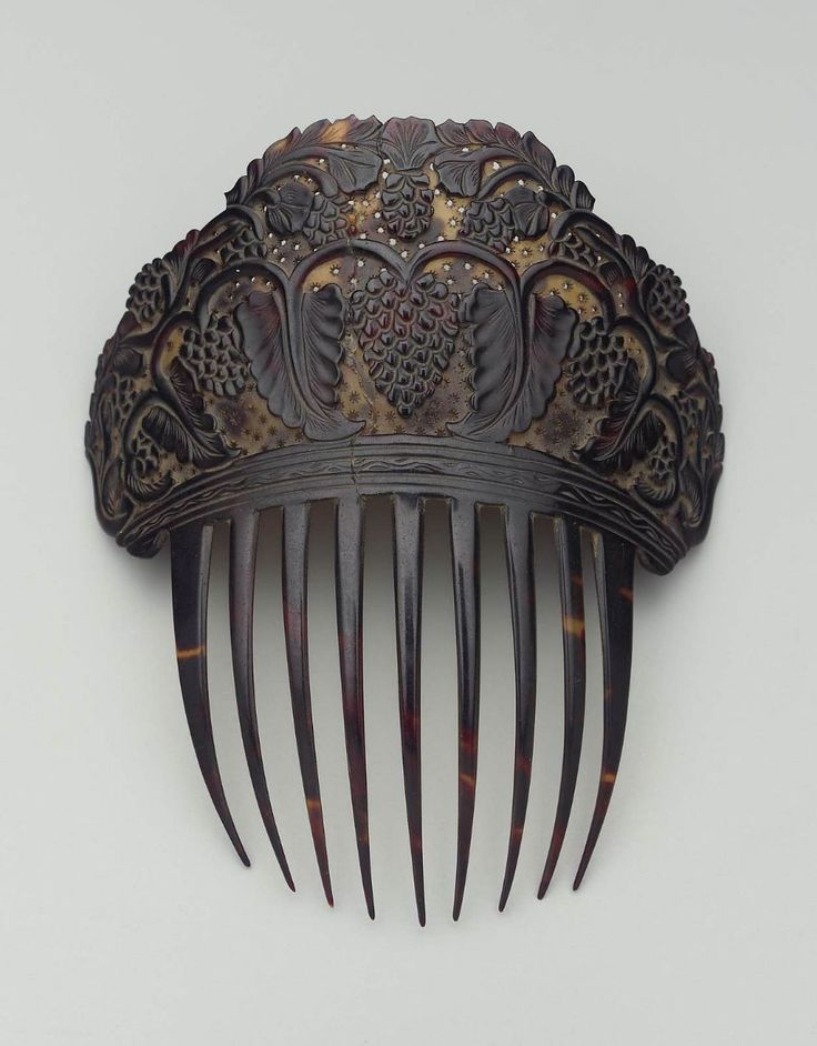 Comb      American, 19th century