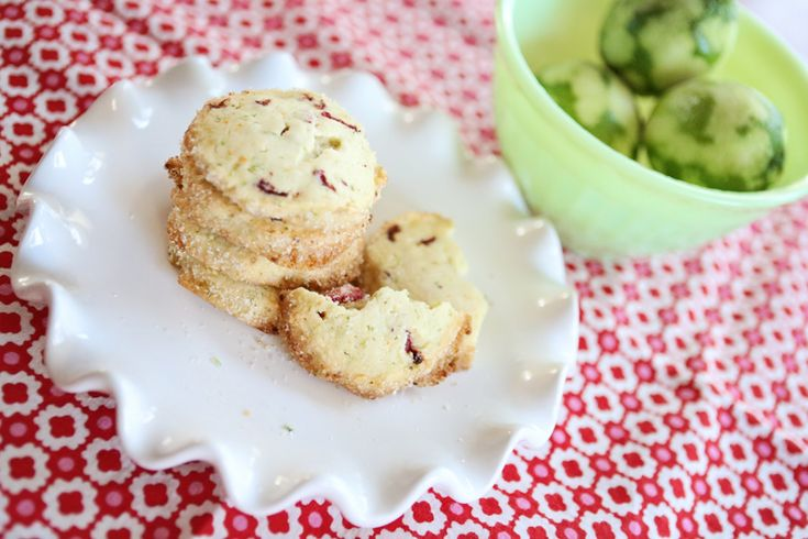 """Strawberry Margarita Cookies » Saw this on the TV show """"unique sweets ..."""