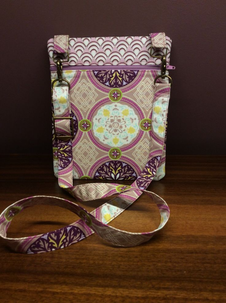 "Over-the-Shoulder Bag ""Eastern Bazar"" Front"