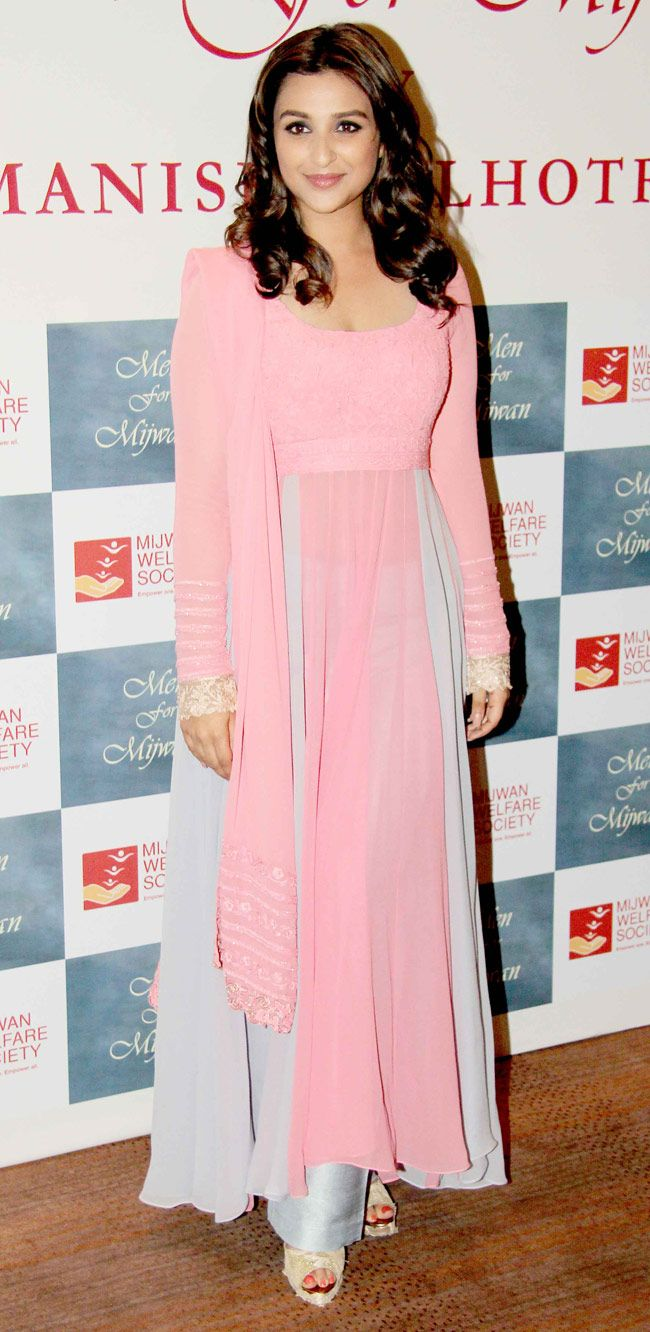 Parineeti Chopra too wore a pink Manish Malhotra outfit with minimal jewellery at the Mijwan Fashion Show.