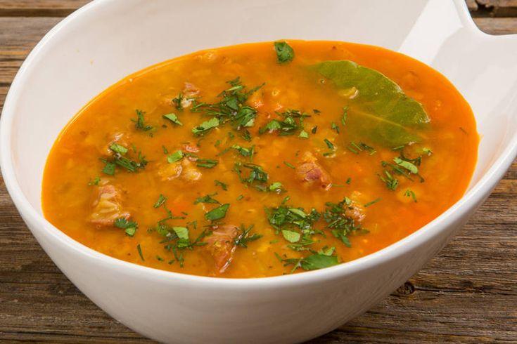 Чечевичный суп со свининой и копченой паприкой