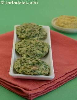 A perfect breakfast option that combines a variety of pulses and vegetables, dal and vegetable idli is slightly heavier than the regular idlis. The batter can be used to make delectable pancakes too.