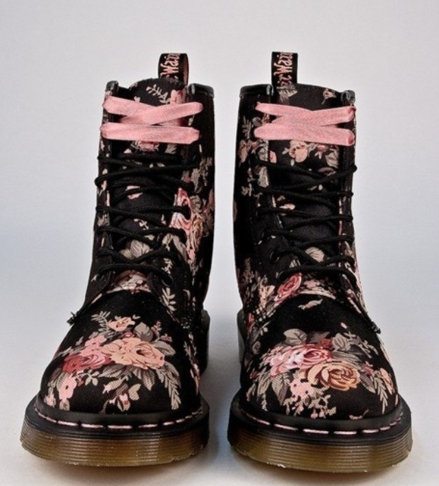 I SO wish I bought these when they went on sale at Bob's!!!!!!!!!!!!!!!!