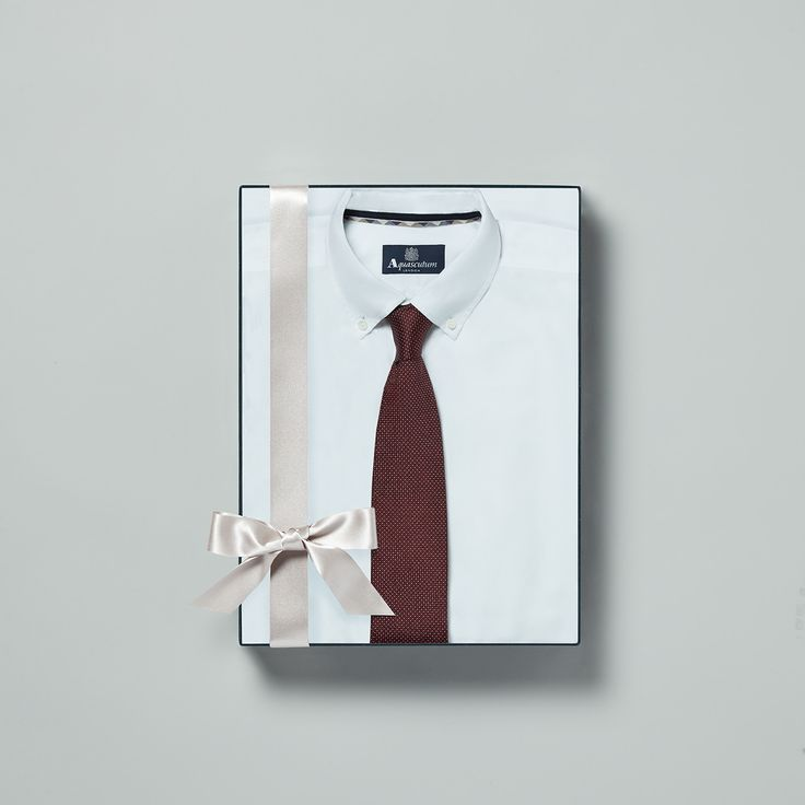 Find the perfect present in our seasonal gift guide #Aquascutum