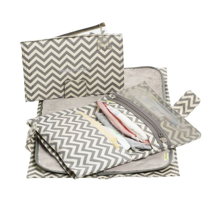 Gorgeous CHEVRON nappy/diaper wallet... Includes a soft fleece mat and matching CHEVRON wipes purse.