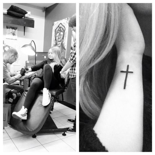 Best 25+ Girl cross tattoos ideas that you will like on ...