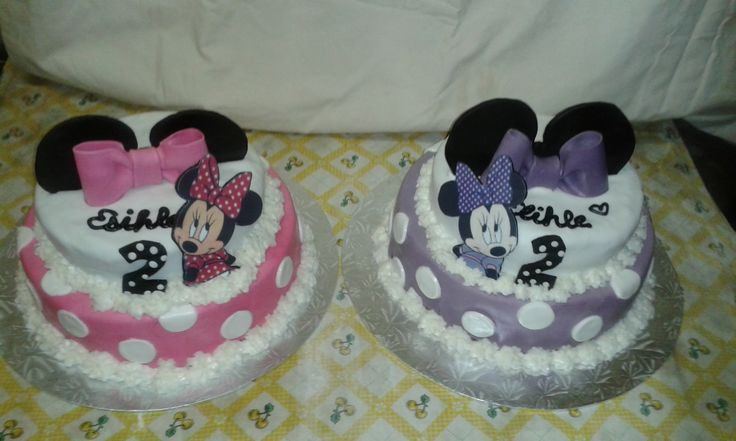 Minni Mouse Cakes for Twins