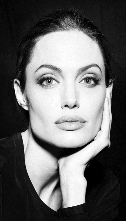 Angelina by Sofia Sanchez & Mauro Mongiello in 2011