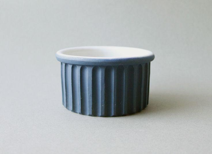 Bennington Potters Ramekin Soufflé Dish Blue White David Gil Mid Century Modern 1884 by ModernisticVintage on Etsy https://www.etsy.com/listing/263363449/bennington-potters-ramekin-souffle-dish