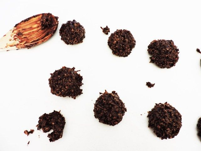 Cocoa Quickies! Super Quick and Easy no-bake cookies