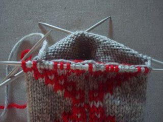 Intarsia knitting in the round Tålamodspåsen: Hur man stickar intarsia runt