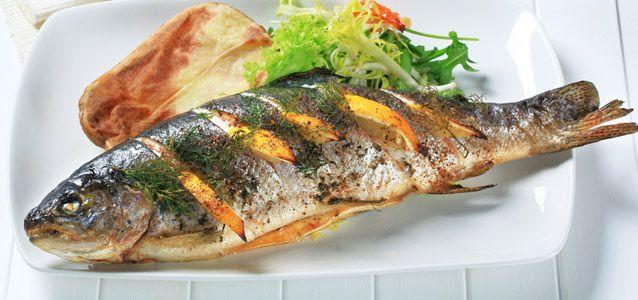 Traut euch mal dran: Gebratene Forelle: Fisch sättigt gut, ist kalorienarm und eiweißreich – eine Bereicherung jeder Diät!