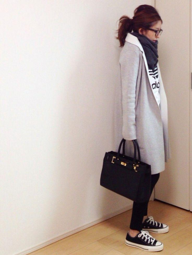 adidasのTシャツ/カットソーを使ったmayumiさんのコーディネートです。│ついにローカットもゲット❤️日本製コ...