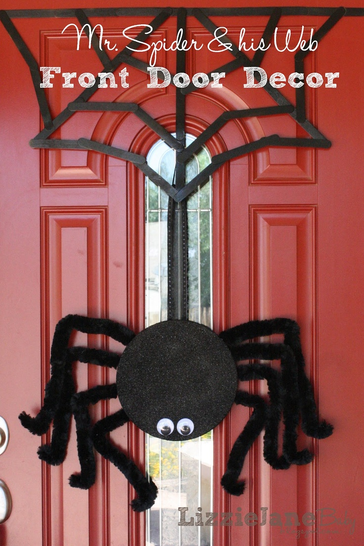eighteen25: Mr. Spider and his Web for the ront door!!: Halloween Decor, Front Doors Decor, Halloween Spiders, Halloween Crafts, Baby, Halloween Doors, Halloween Diy, Halloween Ideas, Spiders Web