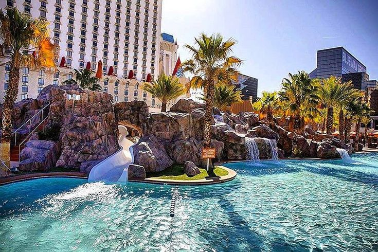Excalibur pool las vegas las vegas pinterest vegas and castles - Las vegas swimming pools ...
