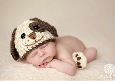 Adorable newborn photo outfit