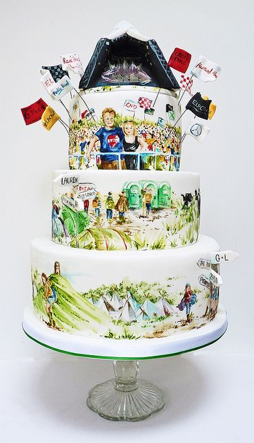glastonbury cake by neviepiecakes, via Flickr