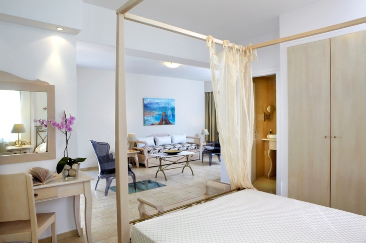 #Eros Befitting its name, the suite offers a romantic mood and luxurious amenities in an elegant ambience. #MitosSuites #Naxos #Greece