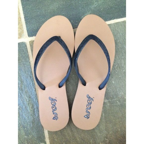super comfy reef slippers PERFECT CONDITION! Never worn!! Reef  Shoes Slippers