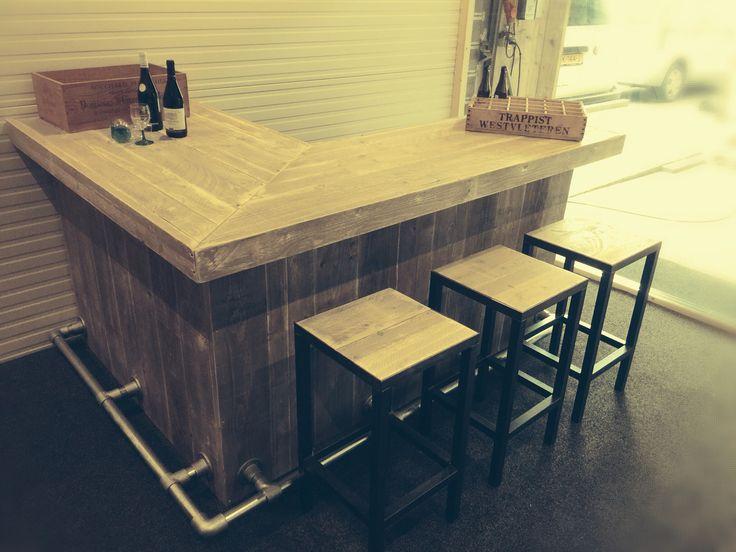 Steigerhouten bar